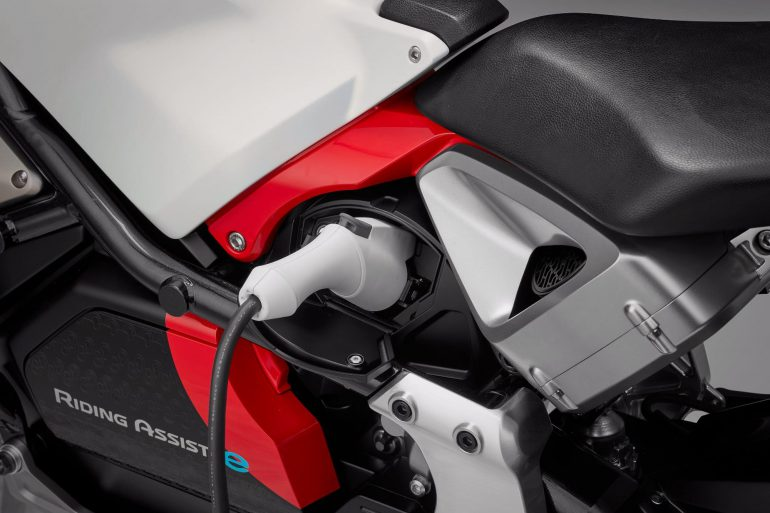 Мотоцикл с системой автоматического балансирования