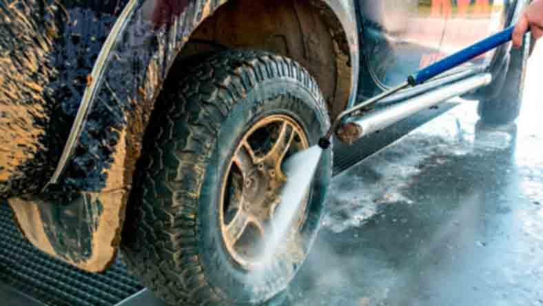 Мыть машину на морозе - имеет ли смысл?