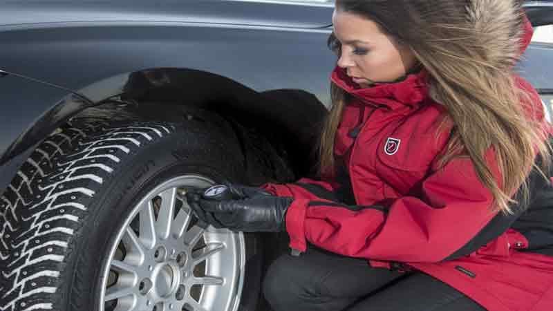 Как правильно проверить давление в шинах?